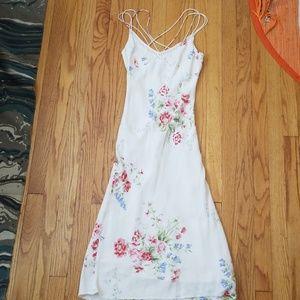 VTG Slinky White Flower Strappy Day Dress!